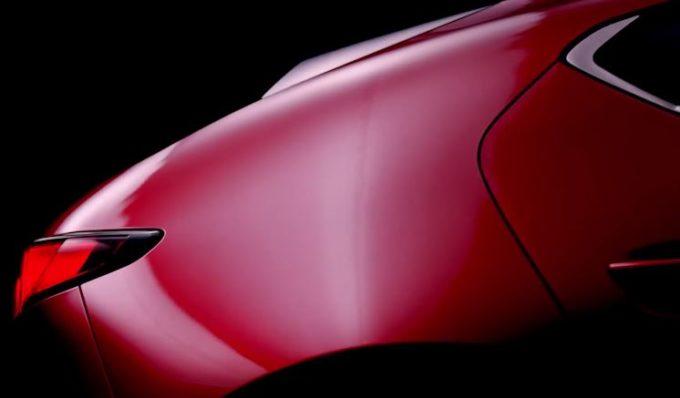 Nuova Mazda 3: svelati i primi dettagli, arriverà a novembre [VIDEO TEASER]