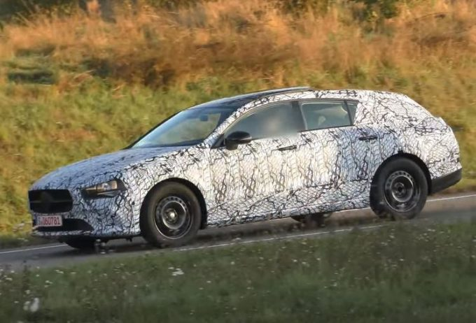 Mercedes CLA Shooting Brake: filmata in strada la nuova generazione [VIDEO SPIA]