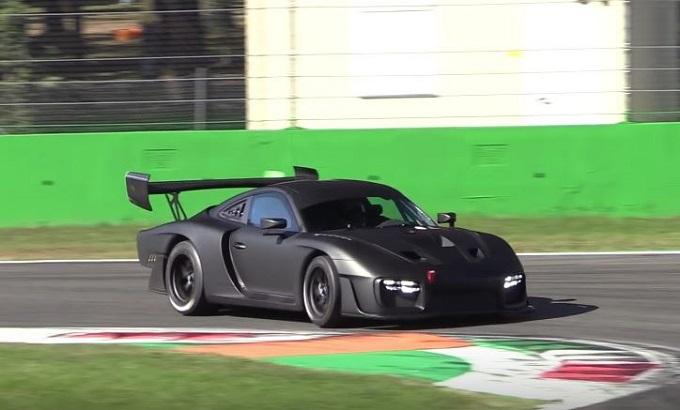 Nuova Porsche 935 tutta da ascoltare nei test sulla pista di Monza [VIDEO SPIA]
