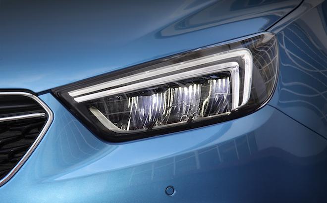 Opel: le nuove tecnologie di illuminazione del fulmine