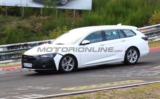 Opel Insignia ST facelift - Foto spia 10-10-2018