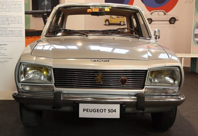 Peugeot protagonista con la 504 al Salone Auto e Moto d'Epoca di Padova [VIDEO]