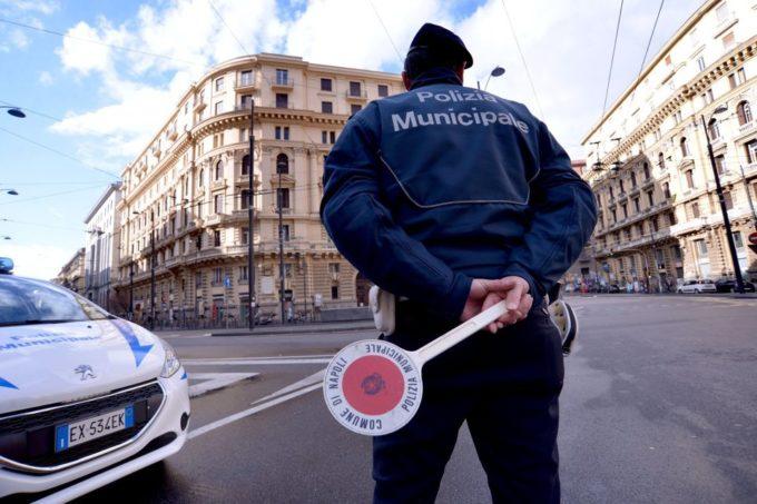 Finti incidenti stradali, a Napoli 18 avvocati finiscono ai domiciliari