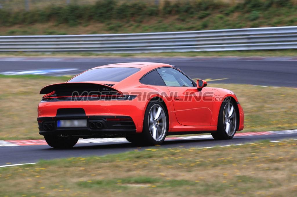 Porsche 911: la nuova generazione filmata sul tracciato del Nürburgring [VIDEO SPIA]