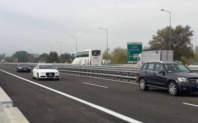 Incendio Bologna: riaperto il raccordo sull'A14