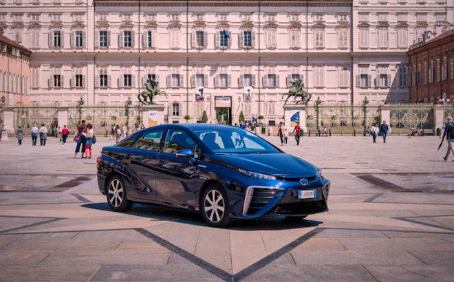 Toyota: accelerata per le vetture elettriche e ad idrogeno
