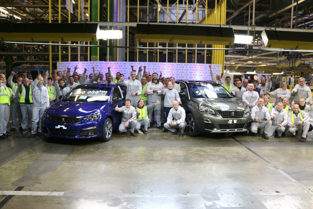 Peugeot 3008 e 308: tagliati due importanti traguardi produttivi