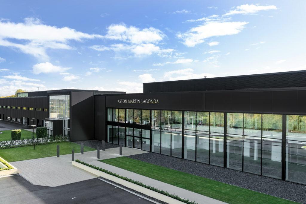 Aston Martin: il primo SUV vedrà la luce nel nuovo impianto di St. Athan [VIDEO]