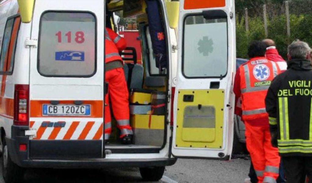 Scontro tra auto e bus: muore una donna sulla statale 650 fondovalle Trigno, diversi feriti