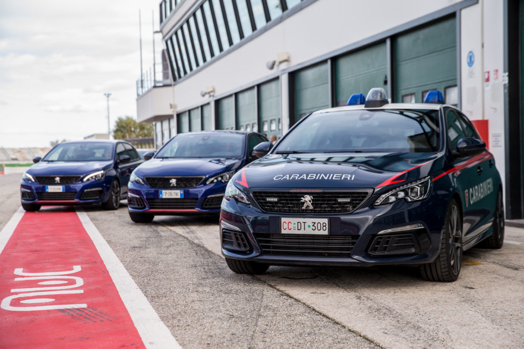 Peugeot 308 GTi by Peugeot Sport in pista coi Carabinieri [VIDEO]