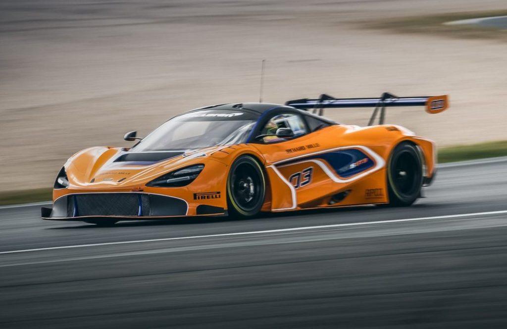 McLaren 720S GT3: debutto ad Abu Dhabi nella 12 Ore del Golfo