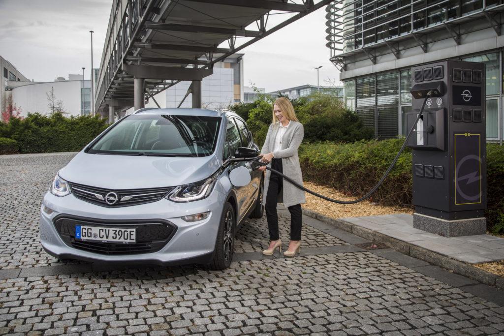 Opel avrà oltre 160 stazioni di ricarica per le elettriche nel Centro Tecnico di Russelsheim