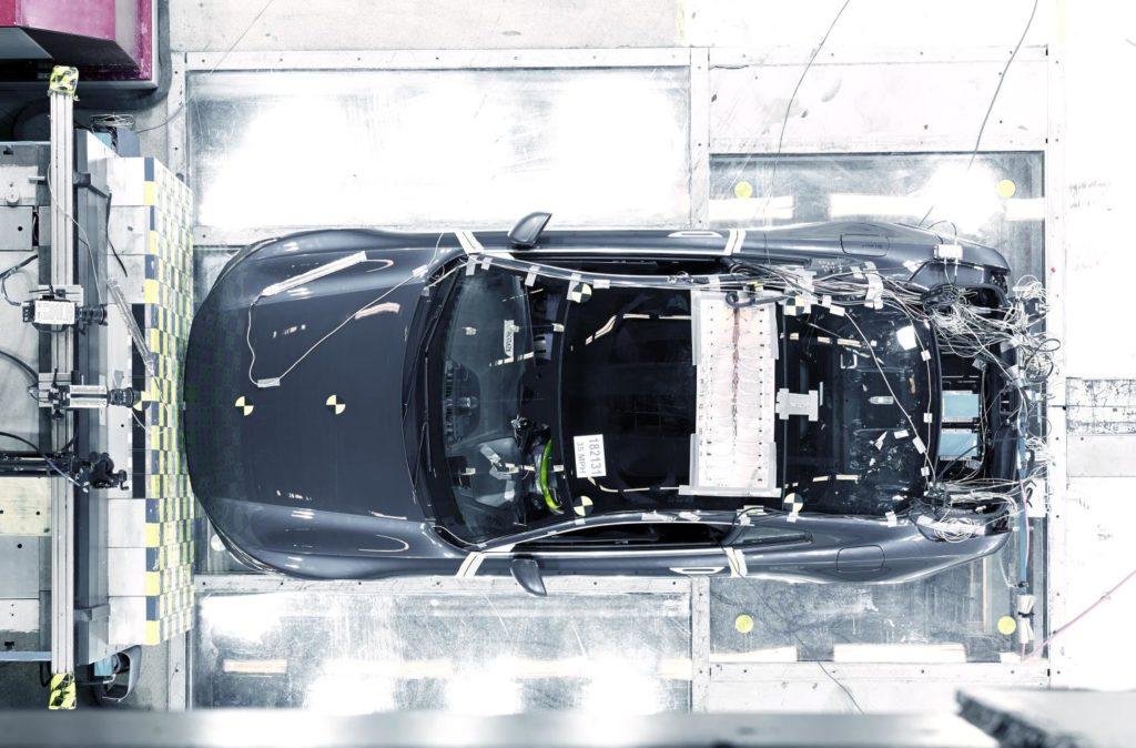 Polestar 1, superati i crash test interni sulla struttura in fibra di carbonio