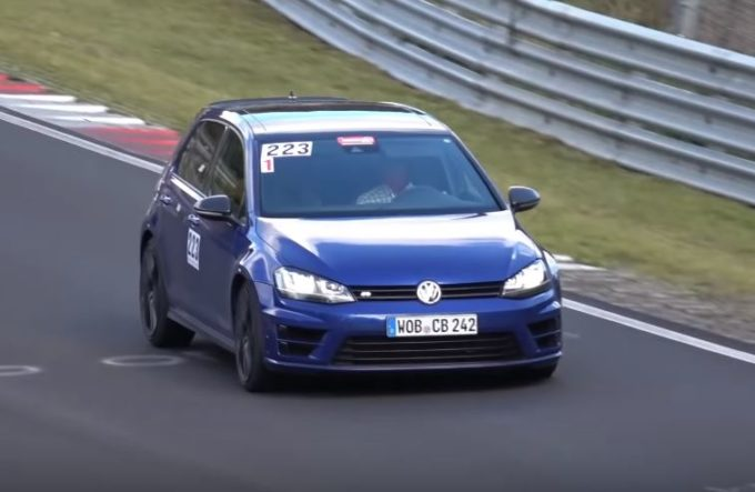 Volkswagen Golf R420 filmata al Nurburgring [VIDEO SPIA]