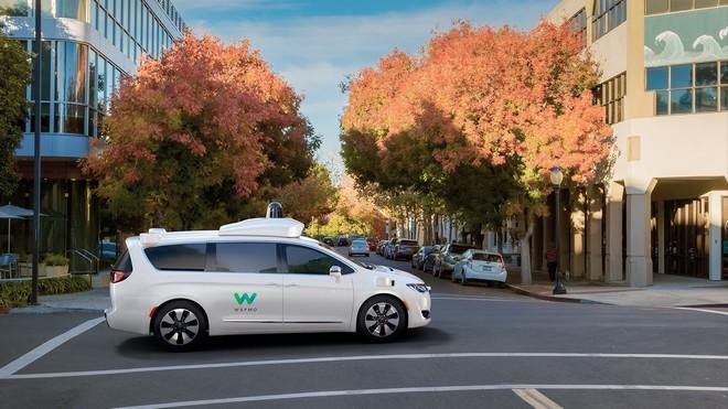 Guida autonoma: via libera ai test Waymo sulle strade della California