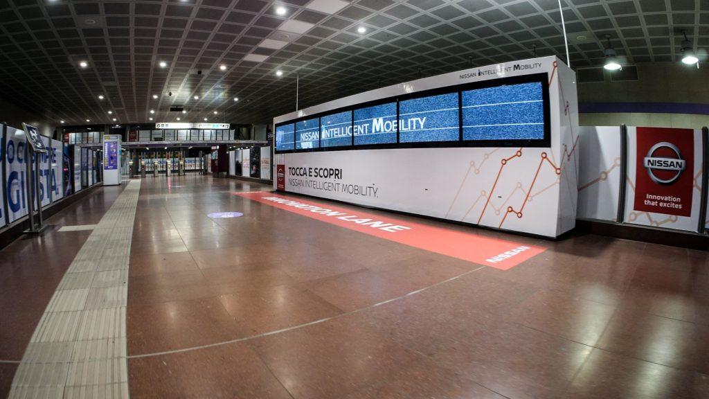 Nissan personalizza la stazione Garibaldi FS di Milano