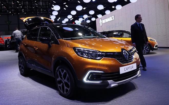 Renault Captur: la seconda generazione sarà anche ibrida plug-in