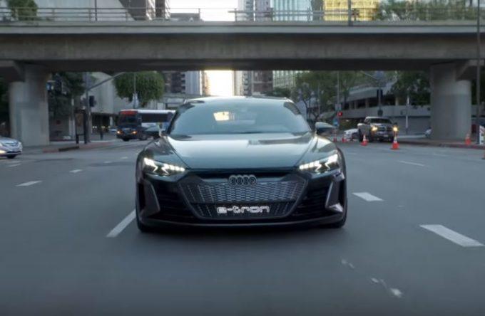 Audi e-tron GT: le prime impressioni di chi ha guidato il concept elettrico [VIDEO]