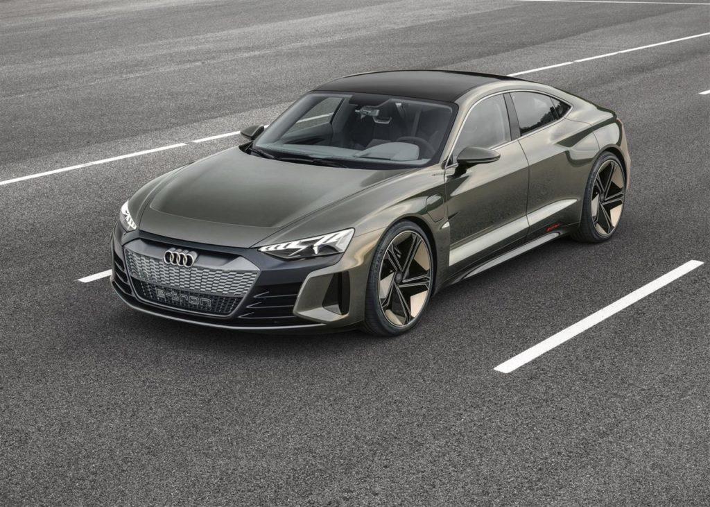 Audi e-tron GT concept: al volante c'è Robert Downey Jr. [VIDEO]