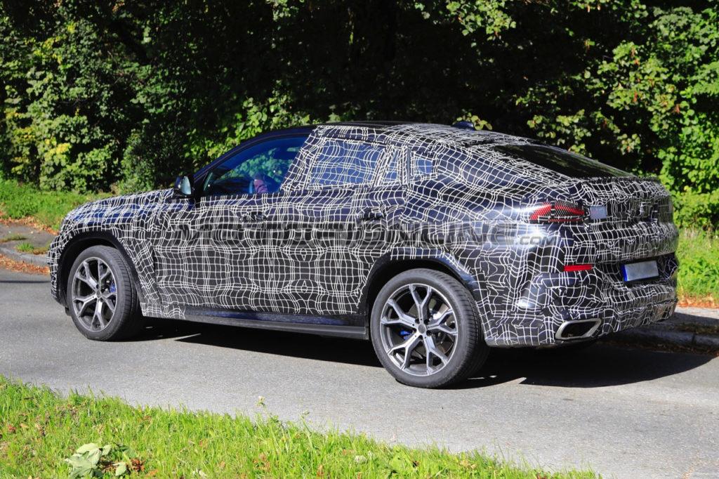 BMW X6 2019: sorpreso un esemplare di prova coperto della prossima generazione [VIDEO SPIA]
