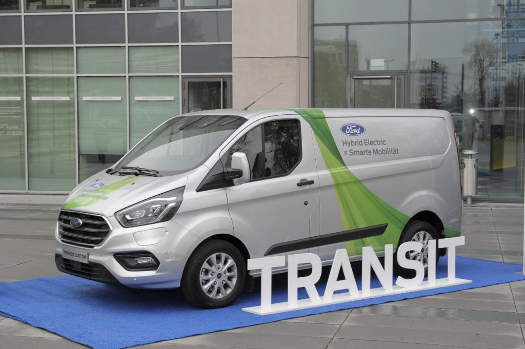 Ford Transit Custom Plug-in Hybrid: sperimentazione anche a Colonia