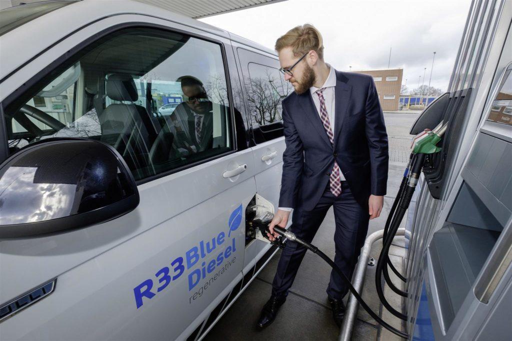 Volkswagen, il carburante rigenerato R33 BlueDiesel abbatte le emissioni