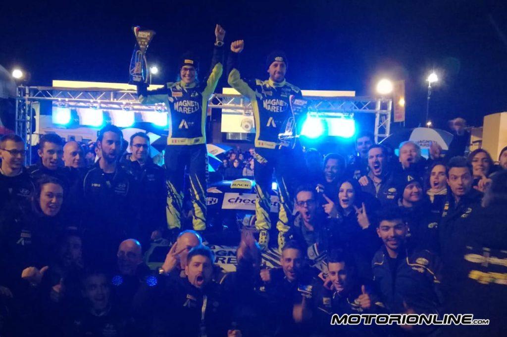 Incredibile Cairoli, al Monza Rally Show vince il Masters' Show battendo Valentino!