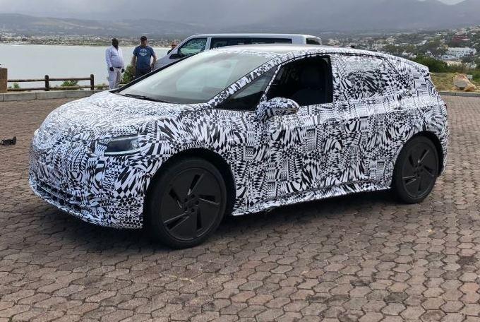 Volkswagen ID: avvistato il prototipo della nuova compatta elettrica [FOTO SPIA]