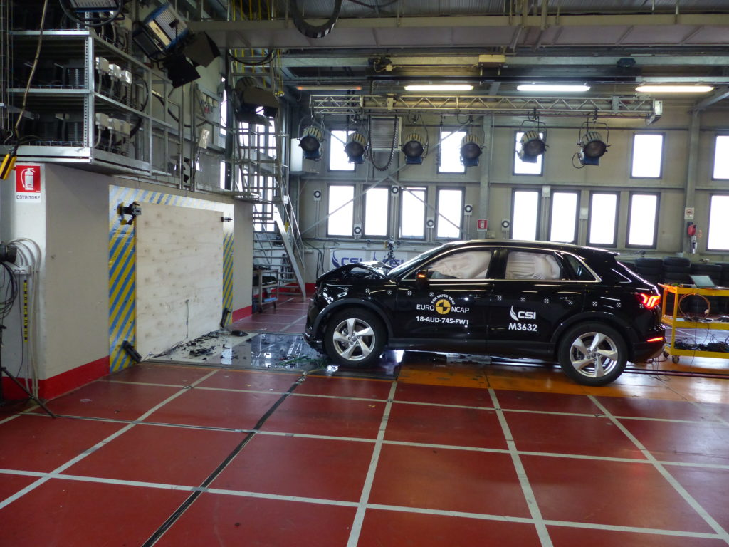 Audi Q3: vettura promossa a pieni voti dai test Euro NCAP [VIDEO]