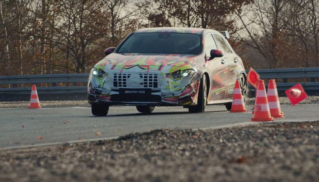 Mercedes-AMG A45: la futura sportiva augura buon Natale [VIDEO TEASER]