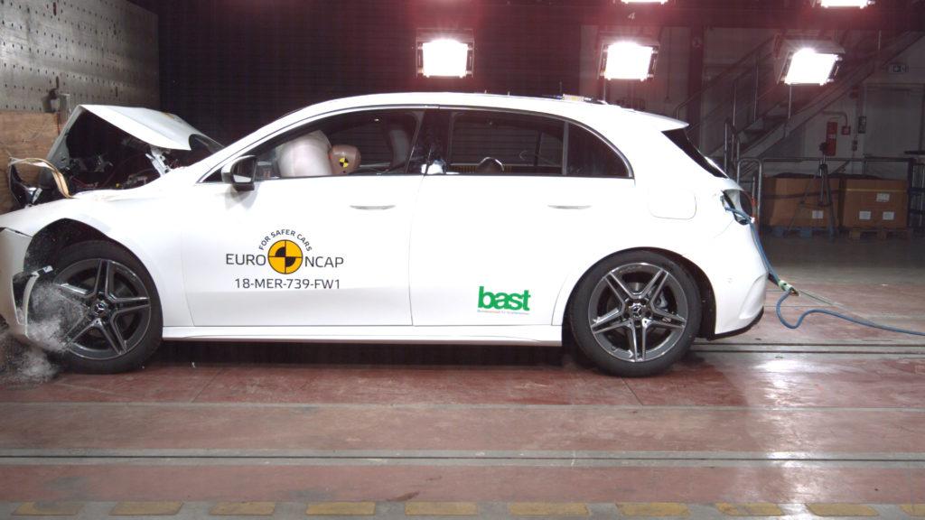 Mercedes Classe A: vettura premiata con le cinque stelle Euro NCAP [VIDEO]