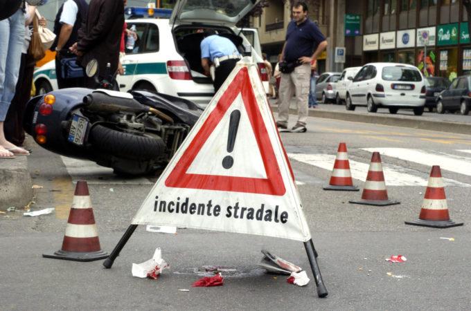 Incidenti stradali, nei primi sei mesi del 2018 calano morti (-8%) e feriti (-3%)