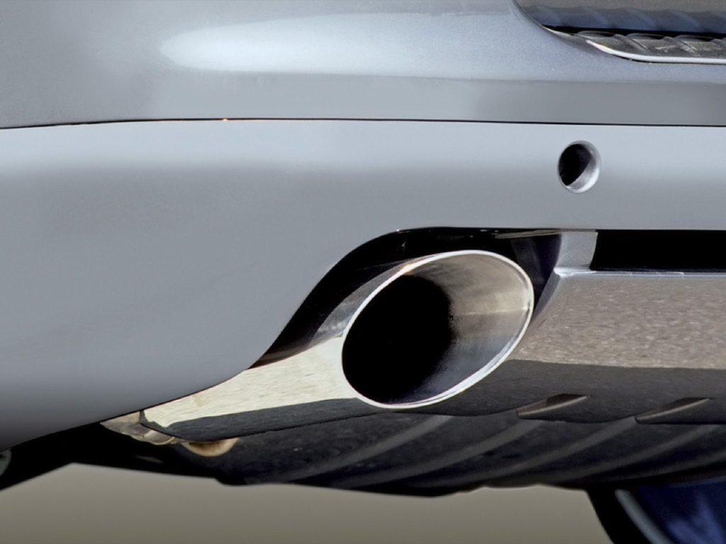 Emissioni: accordo tra le istituzioni europee sul taglio di CO2 delle auto entro il 2030 del 37,5%