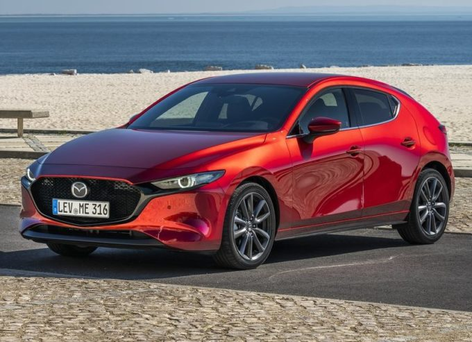 "Nuova Mazda 3: premiata per il design con il ""Red Dot: Best of the Best"""
