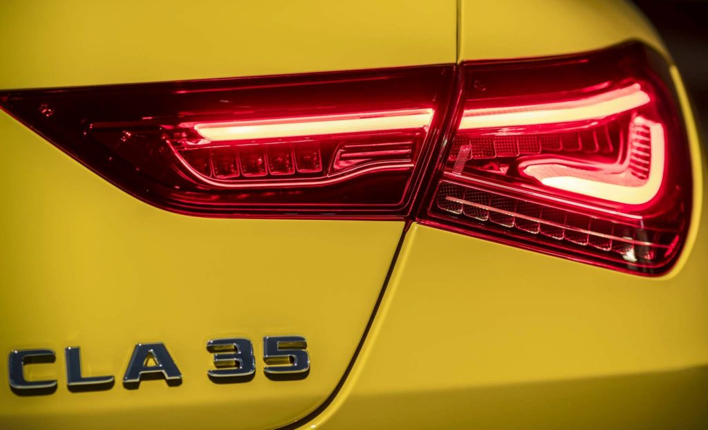 Mercedes-AMG CLA 35: debutto al Salone di New York [TEASER]