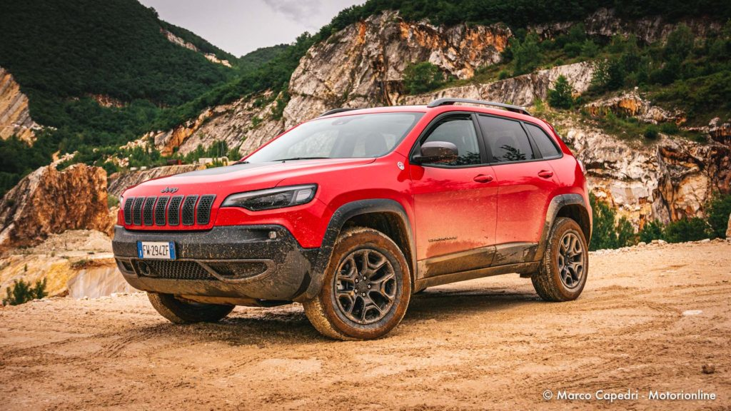 Jeep Cherokee Trailhawk - Test Drive in anteprima