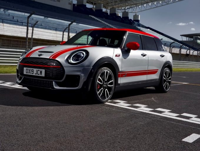 Mini Clubman JCW e Countryman JCW: sportività totale in azione [VIDEO]