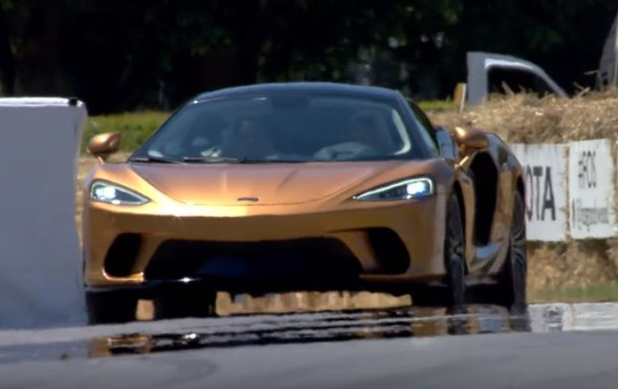 McLaren GT: così ha deliziato il pubblico del Festival of Speed di Goodwood [VIDEO]