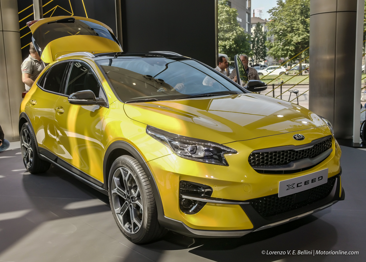 Kia_Xceed_SUV_foto_video_caratteristiche
