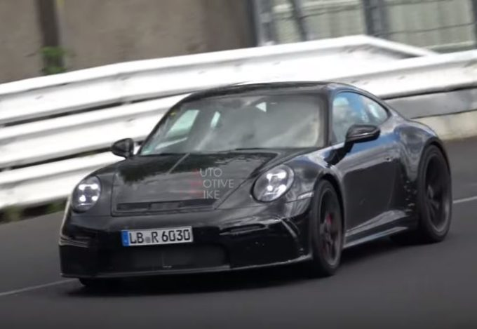 Porsche 911 GT3 Touring 2020: filmata durante i test al Nurburgring [VIDEO SPIA]