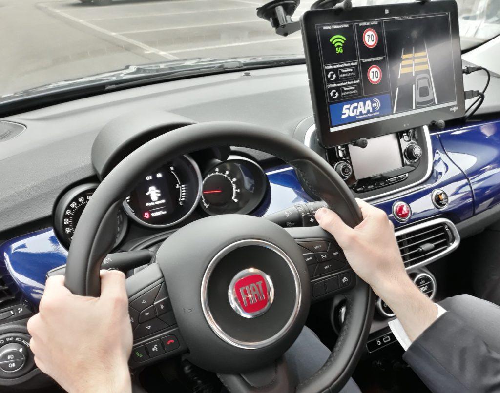 FCA dimostra che la tecnologia 5G può rendere le auto più intelligenti e più sicure
