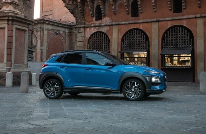 Hyundai lancia le promozioni Black Friday per Kona Hybrid e Tucson Hybrid