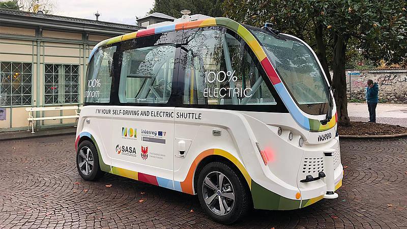 Guida autonoma: a Merano il primo bus senza autista