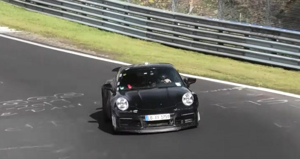 Porsche 911 Turbo S 2020: avvistata durante i test al Nurburgring [VIDEO SPIA]