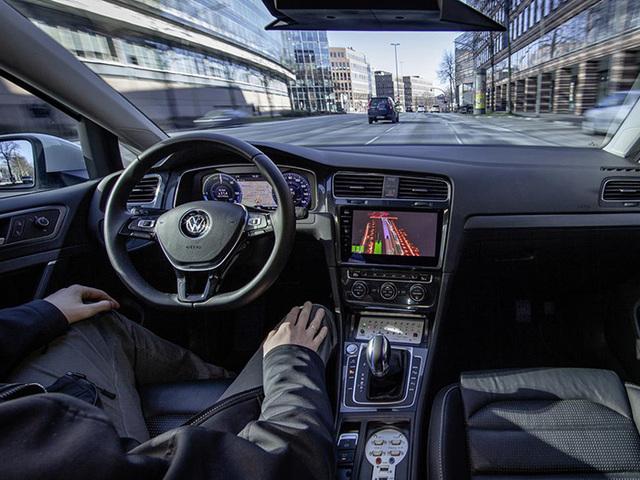 Volkswagen: la guida autonoma debutterà sui veicoli commerciali