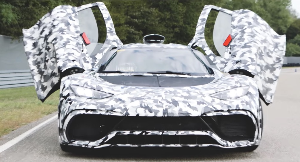 Mercedes-AMG Project One: l'hypercar in pista, con Lewis Hamilton [VIDEO]