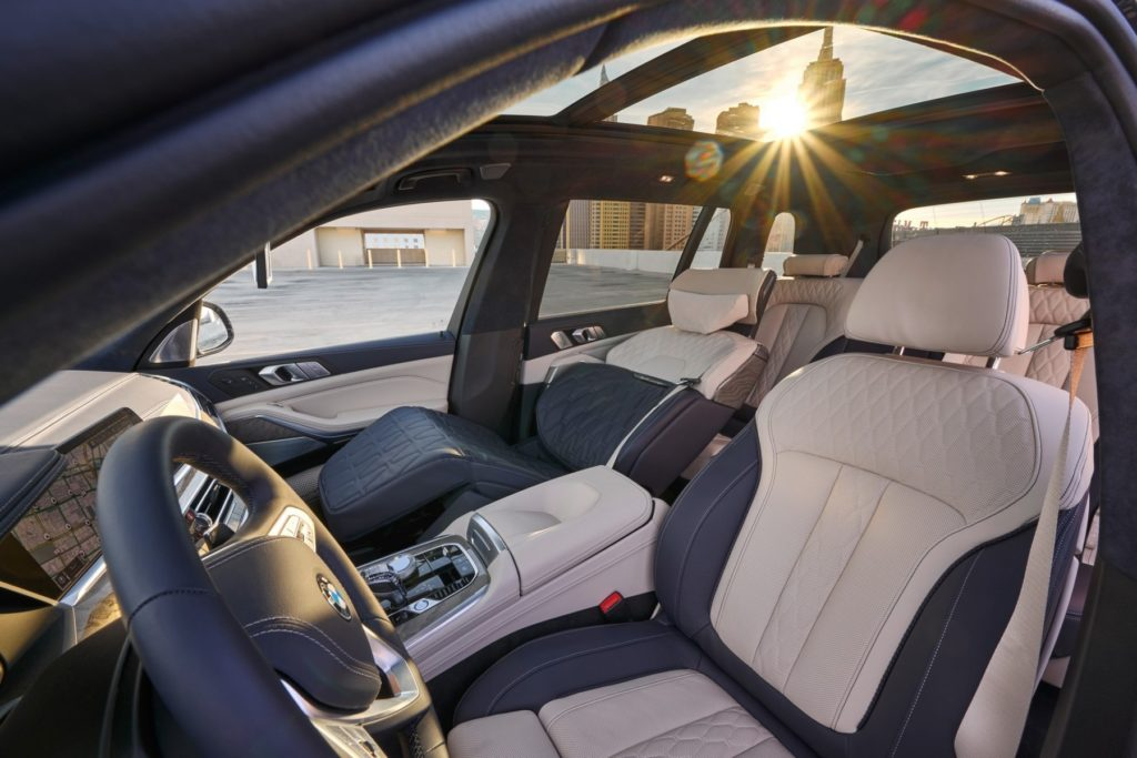BMW X7 ZeroG Lounger: comfort extra per il SUV bavarese [VIDEO]