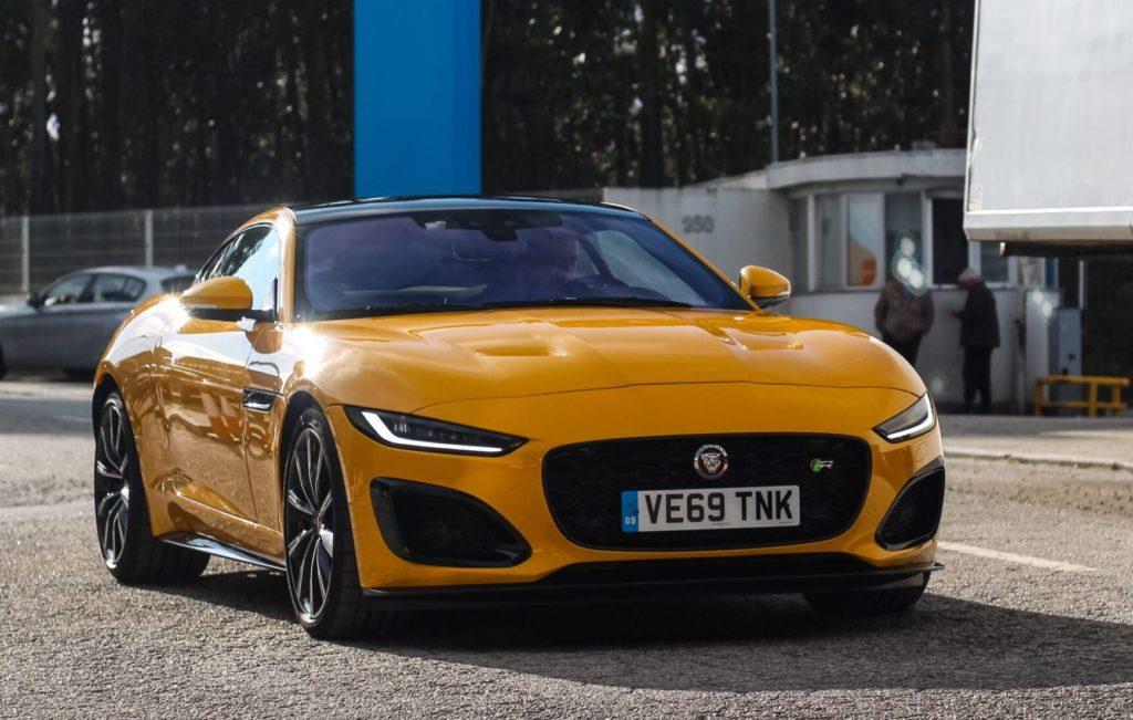 Jaguar F-Type R 2020: la sportiva da 0 a 290 km/h [VIDEO]