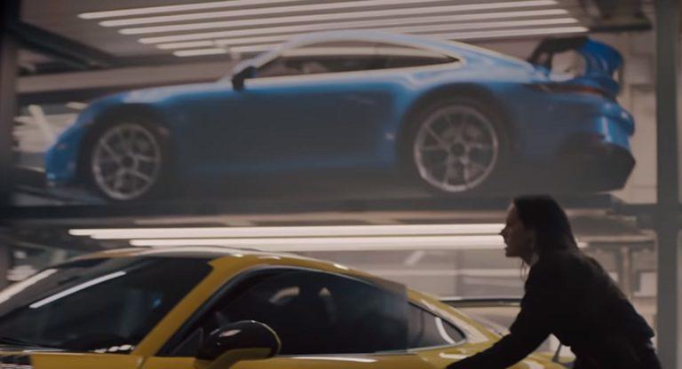 Porsche Taycan e 911 GT3 2020: lo spettacolare spot per il Super Bowl [VIDEO]