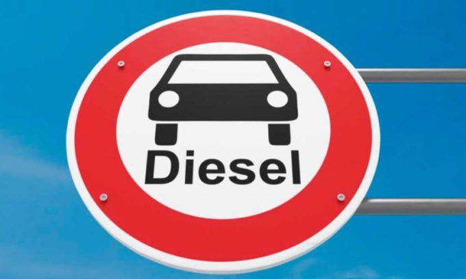 """Blocco auto diesel Euro 5 e 6 a Roma, l'Unione petrolifera: """"Ingiustificato e inutilmente penalizzante per i cittadini"""""""